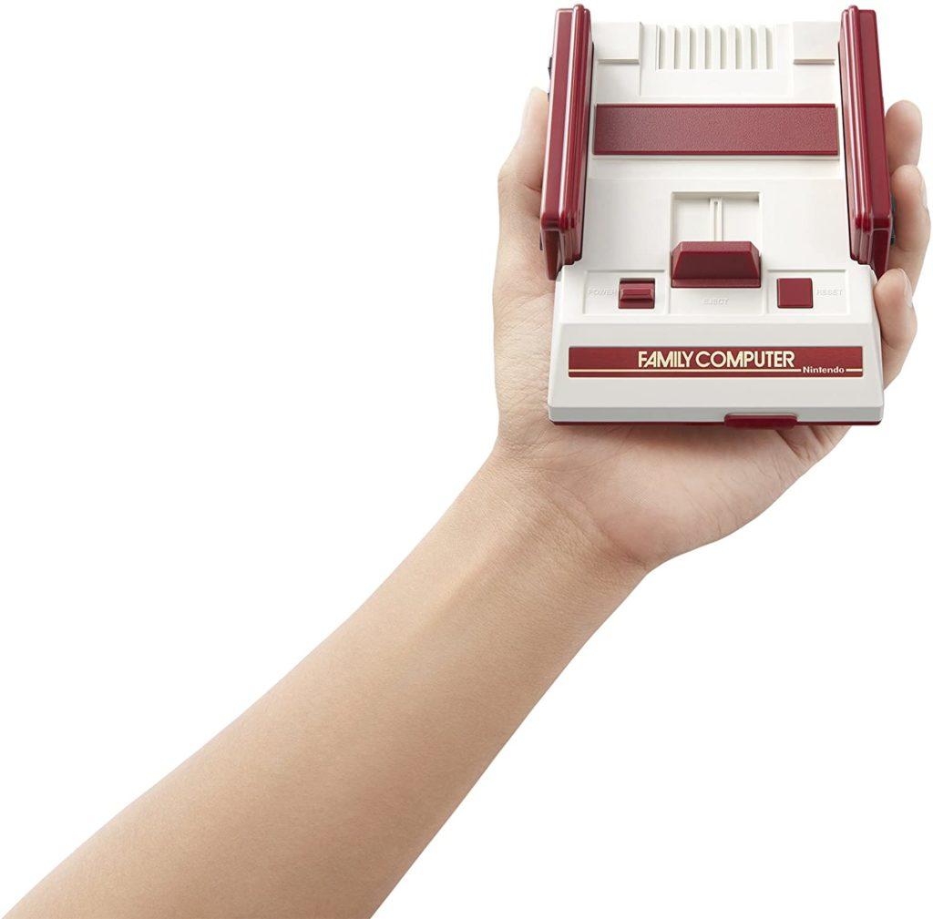 家庭用のゲーム機ミニ